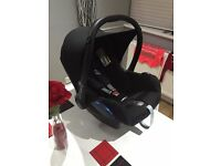 MAXI COSI BABY CAR SEAT IN VERY GOOD CONDITION