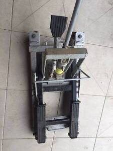 Motorcycle floor lift hydraulic jack up stand Wishart Brisbane South East Preview