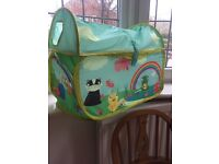 Lightweight canvas foldable toy box
