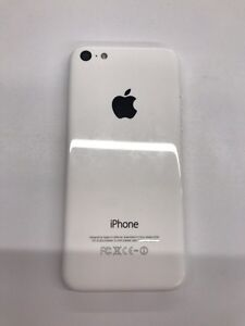 iPhone 5C white 8GB locked to Bell West Island Greater Montréal image 2