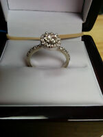 Gorgeous 14kt Diamond Ring