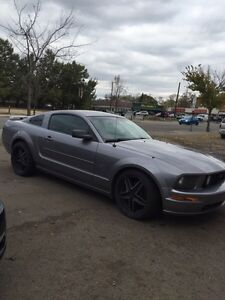 Mustang GT-130km-2 sets of wheels
