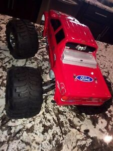 HPI SAVAGE 4.6 GAS POWERED REMOTE CONTROL MONSTER TRUCK Edmonton Edmonton Area image 3