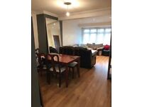Single Room in Beautiful and Spacious Flatshare in Elm Park