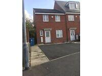 Semi Detached 3 Bedroom house in Radcliffe/Bury area £695