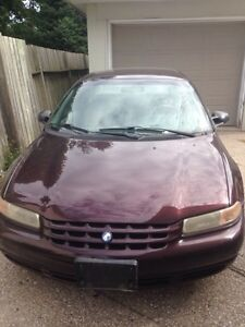 *REDUCED!* 96 Plymouth Breeze