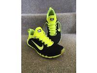 Men's size 9 Nike free run trainers £35