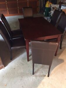 Dining room table with 6 chairs Kitchener / Waterloo Kitchener Area image 1