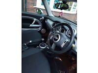 Mini Cooper 2006 reg, 106000 , run good and good gear box, quick sale £2350 Ono