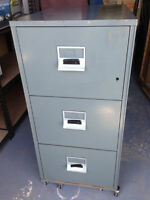 FIRE-RESISTANT FILE CABINET