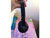 Sony MDR V-150 Studio Monitor Headphones with Remote & Mic