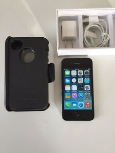 IPhone 4s 16GB with Otterbox Defender. Exc Telus