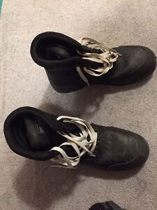 Men's size 14 work boots hardly used