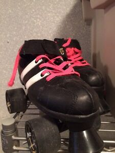 Roller Derby Skates size 6 plus protective gear