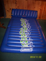 Coleman Inflatable Floating Water Mattress / matela gonflabe