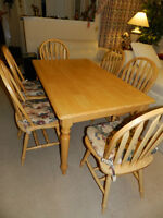 Light Colour Wood Dining Set Table 6 Chairs in Mint Condition