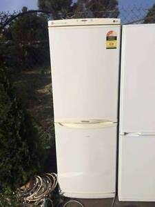 5 star / buttom freezer 305 liter LG fridge , can delivery at ext Box Hill North Whitehorse Area Preview