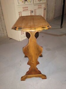 Cute little side table London Ontario image 4
