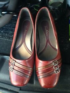 Size 9 Tradition Shoes