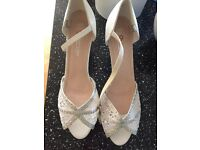 Lace open toe Wedding shoes size 7 41 worn once
