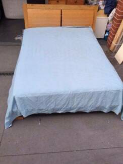 good used wooden queen size bed frame + mattress, can delivery at