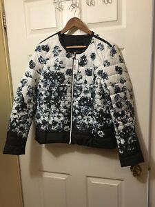 Novelti Woman Jacket size Large