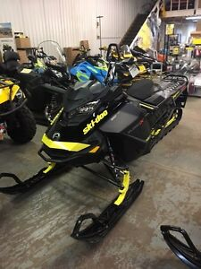 Looking for wrecked or blown sleds skidoo