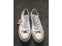 Converse all star pumps. Size 5.5
