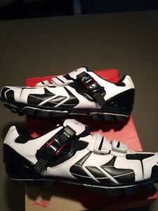 Clip in mtb/road/spin cycling shoes