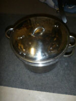 "3-Piece 10"" Boiling Pot with Strainer and Lid"