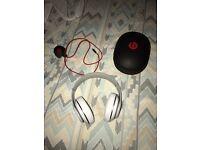 Dre beats studio headphones - {wireless}