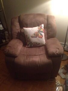 Electric Recliner 4 Sale $80