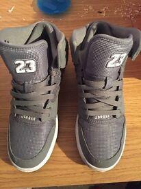 Jordan trainer size 6