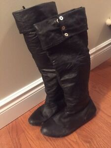 Black ladies size 8 leather boots