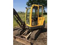 2008 VOLVO EC25 2.5T / 3T MINI DIGGER EXCAVATOR WITH HITCH AND 3 BUCKETS