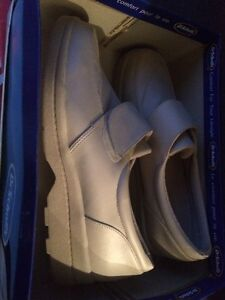 Brand new in box Dr Schools shoes