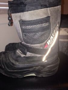 Baffin boots size 4 and 5 Cornwall Ontario image 2