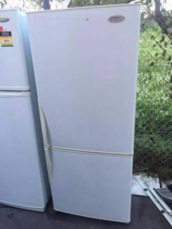 buttom freezer / good size 442 liter freestyle westinghouse fridg