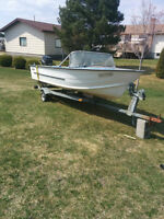 16ft starcraft alluminum wide 35hp mercury with trailor