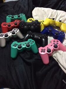 Broken PS3 controllers for parts London Ontario image 1