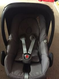 Maxi Cosi Car Seat 0-9 months