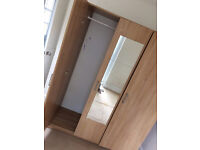 Cupboard/wardrobe (very good condition)