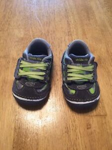 Stride Rite Soft Motion Infant Shoes - Size 3 London Ontario image 1