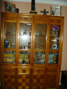 Stunning Vintage Oak Parquet Hutch/China Cabinet - Great Shape