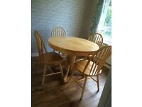 Solid wood oak effect extendable table with 4 chairs