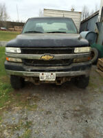 2001 CHEVROLET 2500 HD 4X4 PARTING OUT