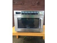 STUNNING Samsung CM Heavy Duty 1850w Commercial Microwave very lightly used GRAB A BARGAIN RRP £1000