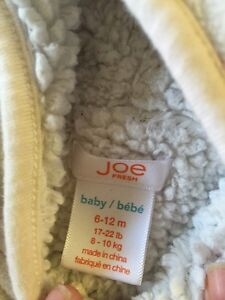 Girls snow suit size 6-12 months  Strathcona County Edmonton Area image 2