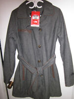 BRAND NEW NORTH FACE WOMANS PRIMALOFT COAT LARGE