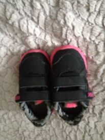 Toddler Nike trainers size 4.5